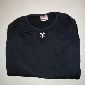 New York Yankees warm up top